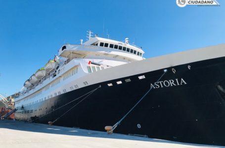 """📸Arriba crucero """"Astoria"""" al puerto de Topolobampo"""