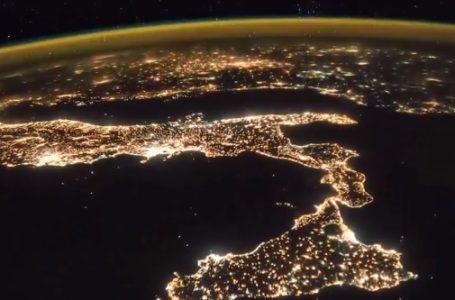 ¡Impresionante! la tierra de noche desde el espacio
