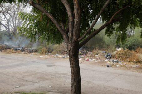 Piden ciudadanos se ajuste a quienes tiran y queman basura en baldíos