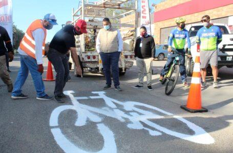 Realizan repintado de ciclovía ubicada en el CUM