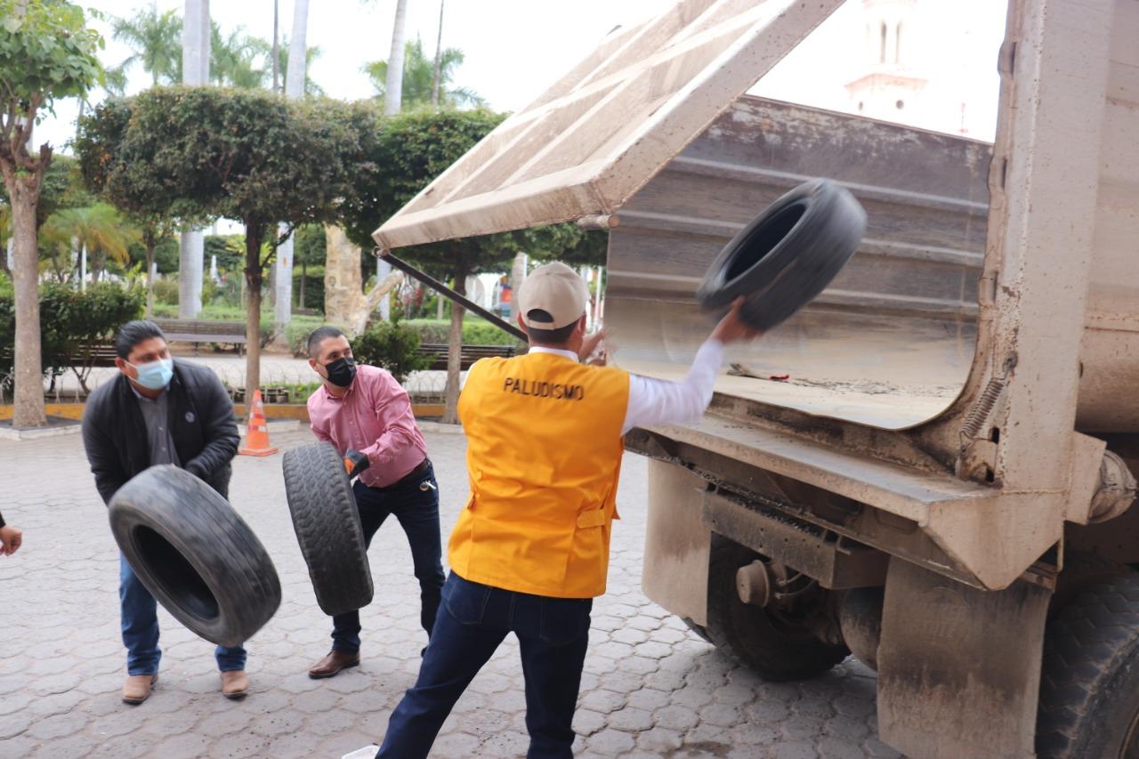 A sacar cubetas, llantas, inician campaña de descacharrización en El Fuerte