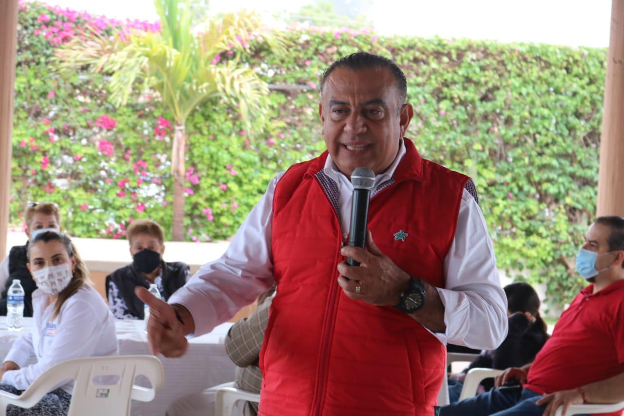 Atención de agua potable y baches, de las primeras acciones a realizar: Marcos Osuna