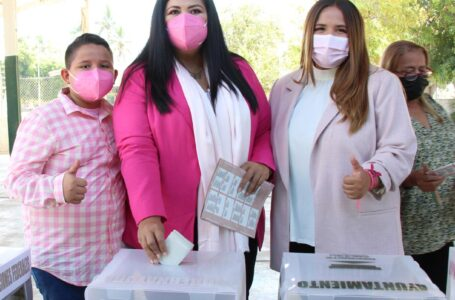Rosa Elena emite su voto en El Dorado