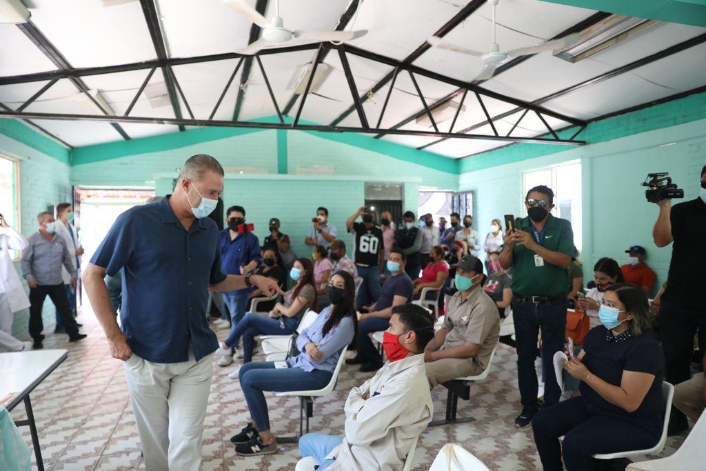 El 56% de la población esta vacunada en Sinaloa: Quirino Ordaz