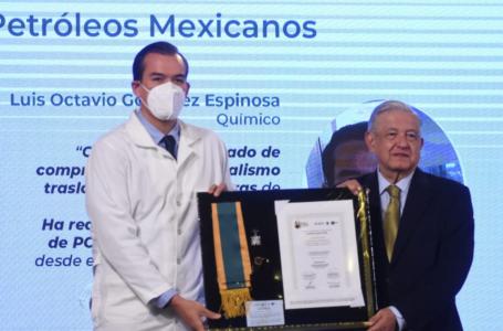 Entregan condecoración Miguel Hidalgo a más personal de salud