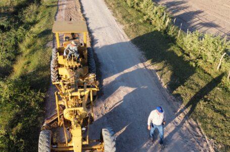 Realiza Gildardo Leyva mejora de caminos en varios puntos de El Fuerte